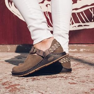 Chaco Toecoop brown full leather shoe